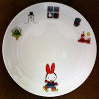 ミッフィー絵皿(ゆきのひのうさこちゃん)